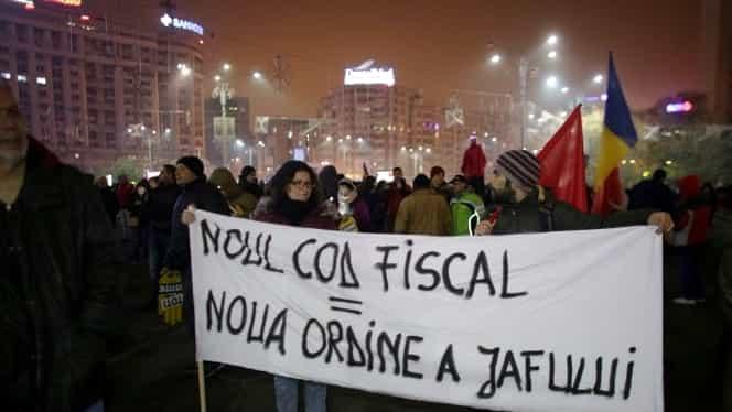 Video şi foto. Proteste de amploare în Piaţa Victoriei şi în ţară împotriva legilor justiţiei şi ale Codului Fiscal