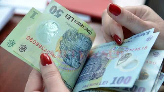 Salariul mediu în luna iunie 2018, săltat de primele de vacanță! Bugetarii au pierdut bani!