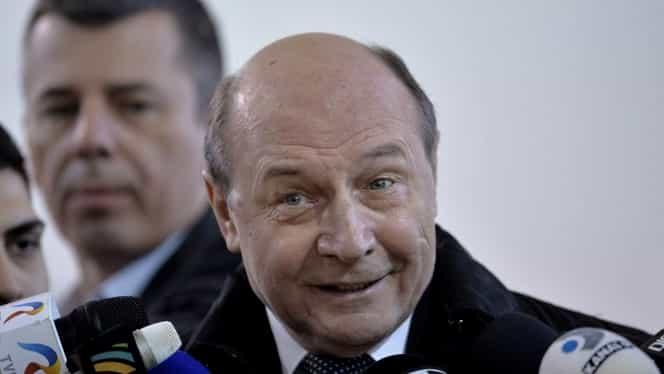 Traian Băsescu îi sfătuiește pe românii din Italia să nu se întoarcă în țară de Paște, din cauza coronavirusului