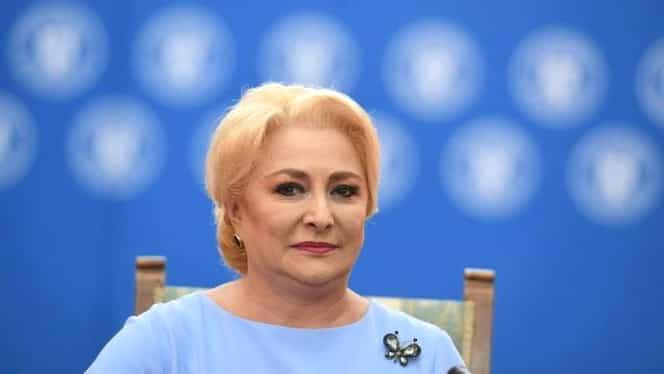 Ce semnificații au broșele pe care le poartă Viorica Dăncilă! Ce înseamnă alegerile premierului. FOTO