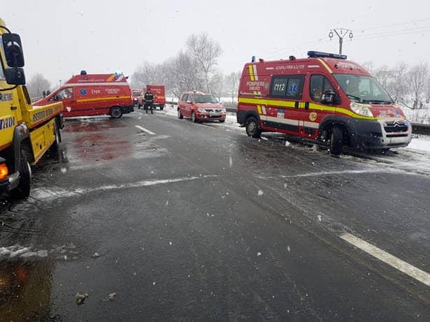 Accident GRAV pe DN1, în Sibiu! Trafic blocat, 10 persoane rănite! Plan roşu de intervenţie