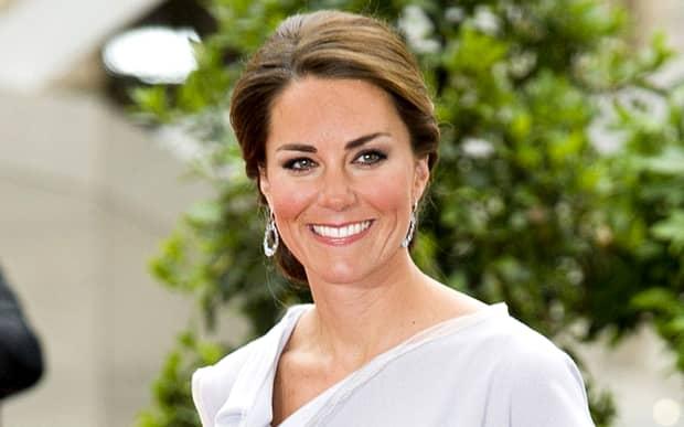 Filmul care i-a scandalizat pe britanici! Kate Middleton, filmată în sala de pilates, dansînd la bară