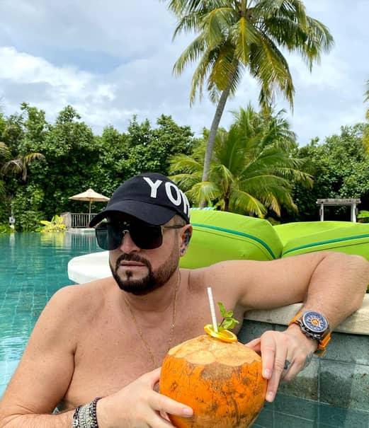 Cătălin Botezatu, vacanță în Maldive în ciuda recomandărilor medicilor. Designerul se relaxează alături de prieteni