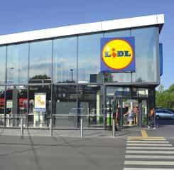Reacția oficială LIDL, după ce unui bătrân cu handicap i s-au blocat roțile într-un magazin din Apusului