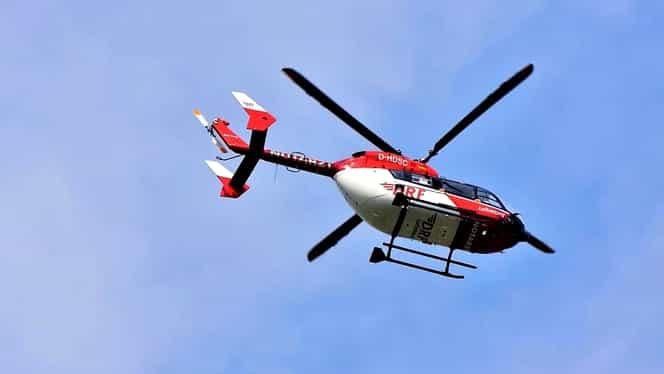 Accident grav în județul Vâlcea. O fetiță de 11 ani grav rănită. Ambulanța care trebuia să o ducă la elicopterul SMURD a ratat întânirea cu acesta / UPDATE