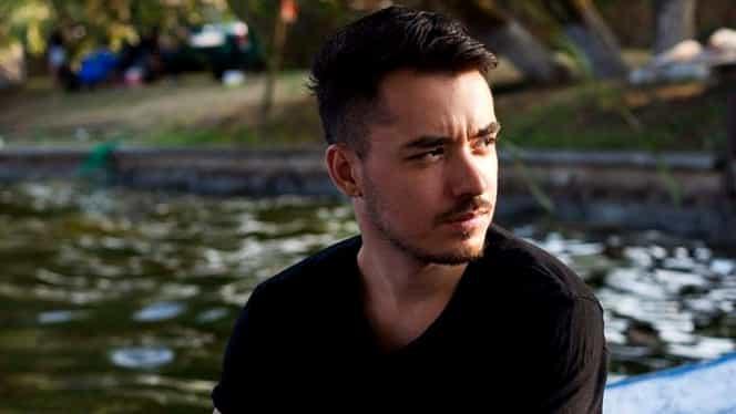 """Adrian Țuțu, primul câștigător """"Românii au talent"""" a investit toți banii în muzică. Tânărul a pierdut tot și s-a retras în orașul natal"""
