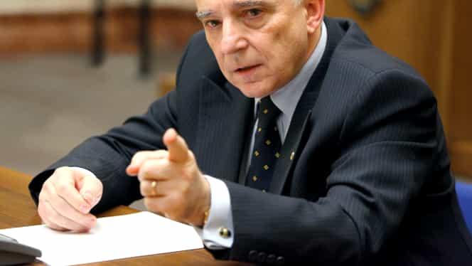 """Mugur Isărescu, avertisment pentru bănci: """"Există o revoltă a populaţiei"""""""