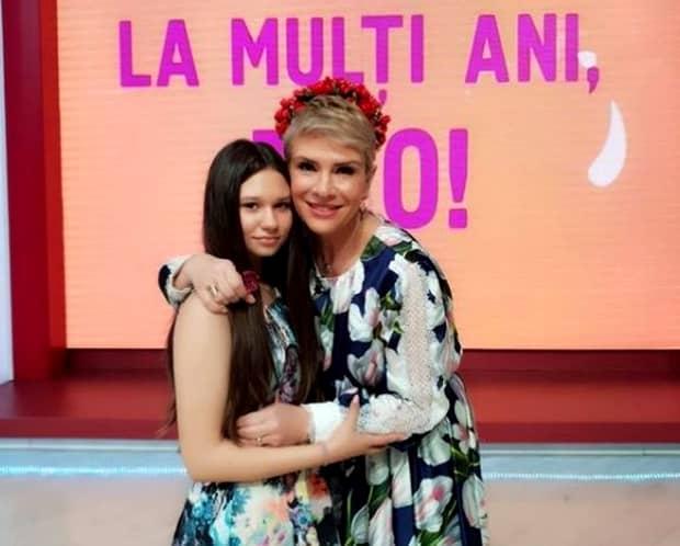 Fata lui Teo Trandafir nu vrea o carieră în televiziune: Nu pot să mă deschid în fața oamenilor cum face mama