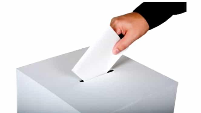 Oraşul campion la prezenţa la vot duminică dimineaţa. Alegătorii au venit la urne în număr mare încă de la ora 7.00