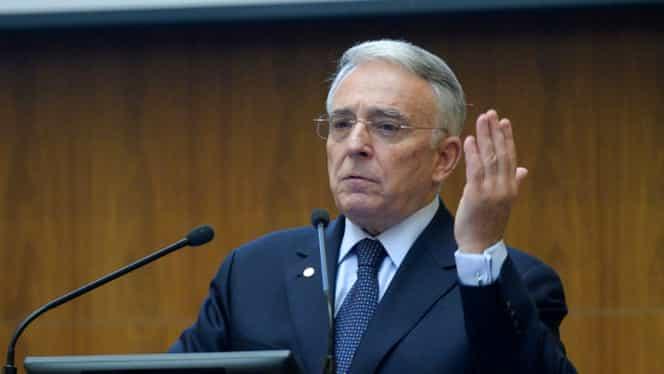 Guvernatorul BNR, imagini de la Domeniul Isărescu! Nu l-ai văzut niciodată aşa! GALERIE FOTO