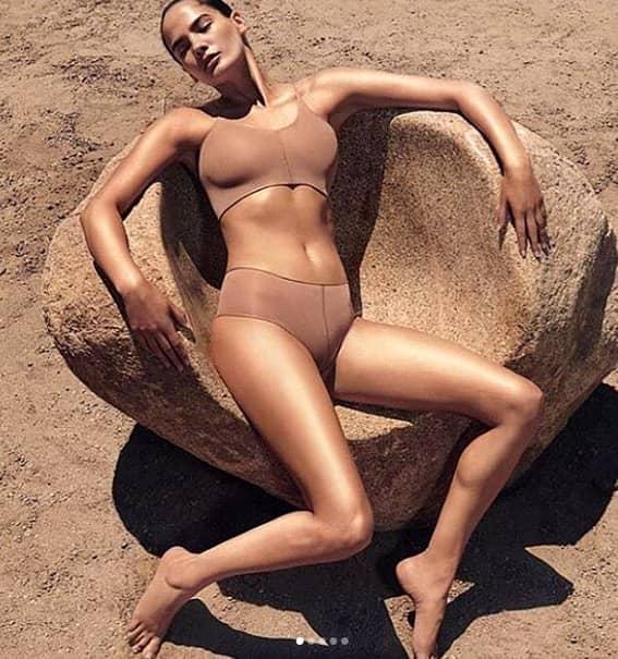Kim Kardashian West și-a lansat sătpămâna trecută colecția de lenjerie intimă