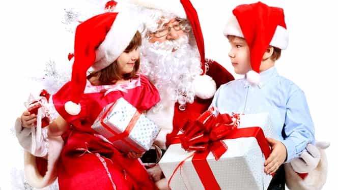 Reacția surprinzătoare a unui copil orb când l-a întâlnit de Moș Crăciun!