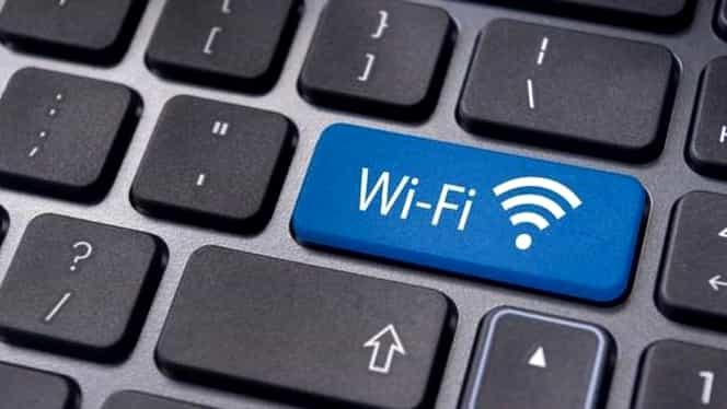 Abonamentele la internet se scumpesc. Cu cât vom plăti mai mult din cauza taxei pe lăcomie