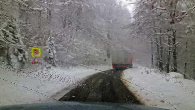 Starea drumurilor, 6 februarie. Ce drumuri sunt închise din cauza vremii și cum se circulă. Trafic oprit pe Autostrada Soarelui LIVE UPDATE