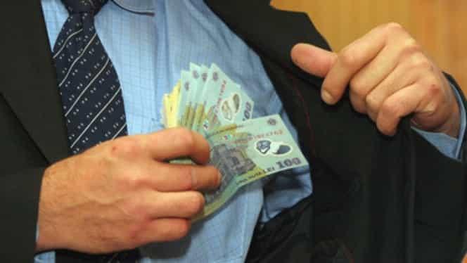 Salarii MAI și MApN. Polițiștii și militarii au primit măriri importante de la 1 ianuarie. Câți bani vor încasa în primele luni de 2019
