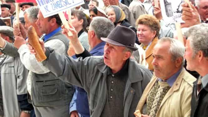 Un pensionar spune că a găsit formula prin care poate armoniza pensiile din România! I-a scris președintelui Iohannis
