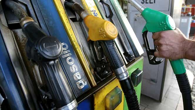 Preţul benzinei s-a prăbuşit: Harta ţărilor cu cele mai mari ieftiniri şi cum stă România