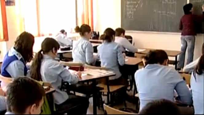 Consiliul Național al Elevilor solicită schimbarea structurii anului școlar 2020-2021