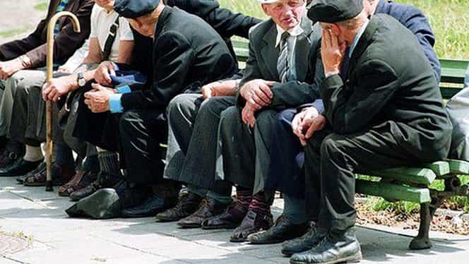 Cumularea de pensii, interzisă omului de rând! Cine va avea voie să cumuleze nenumărate pensii!