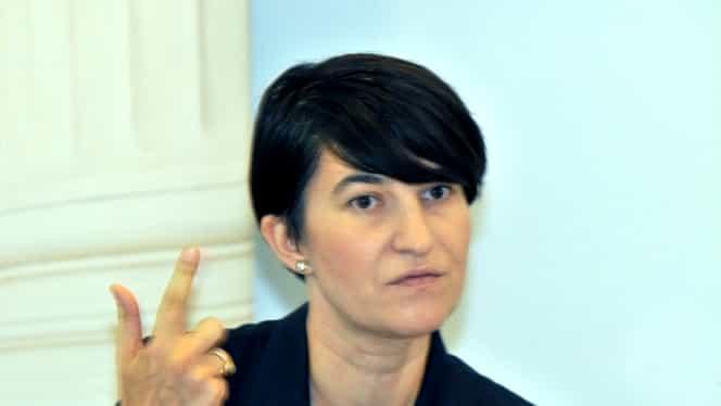 """Scandal între Violeta Alexandru și Lia Olguța Vasilescu. Noul ministru al Muncii, acuzații dure: """"Să facem câteva precizări, așa, ca pentru proști"""""""