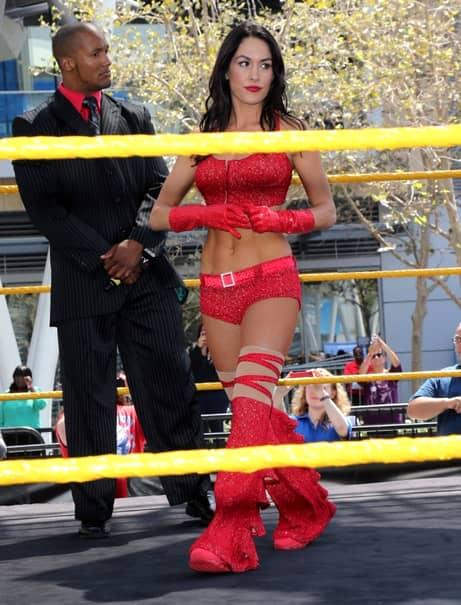 GALERIE FOTO. Gemenele care au cucerit lumea wrestlingului. Cît de sexy sunt tinerele luptătoare