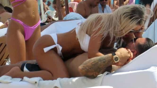 Bianca Drăgușanu și Alex Bodi, scene interzise minorilor pe plajă. Cum au fost surprinși cei doi, în plină zi FOTO
