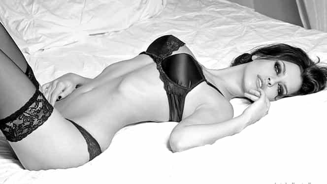 GALERIE FOTO. Ea e cea mai frumoasă româncă din Italia! I-a vrăjit cu trupul perfect!