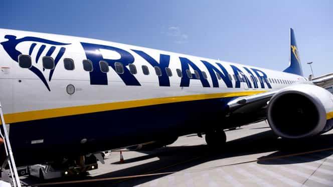 """Patru pasageri au leșinat la bordul unui avion Ryanair: """"A fost un zbor infernal"""""""