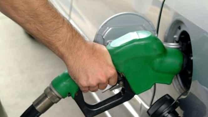 Veste proastă pentru şoferi. Se scumpesc benzina şi motorina!