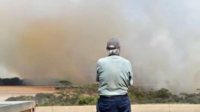 Evacuări masive în Australia! Incendiile fac ravagii