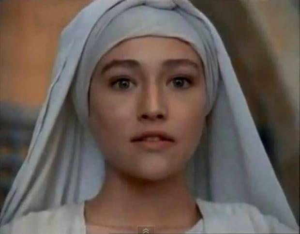 Cum arată azi Olivia Hussey, cea care a interpretat-o pe Fecioara Maria în Iisus din Nazaret. A ajuns de nerecunoscut FOTO