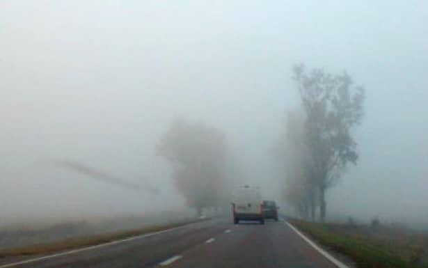 Cod galben de ceaţă, ploaie, polei şi vânt. Ceață