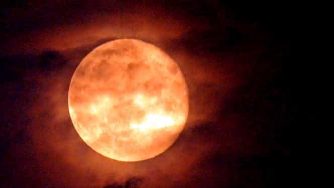 Cele 3 zodii afectate de Luna Plină! Aceşti nativi resimt din plin schimbările