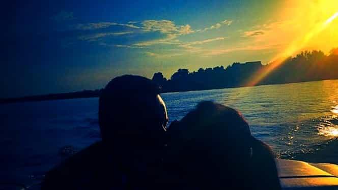 Andra şi Măruţă, sărutul de 30.000 de Like-uri. Cea mai romantică ipostază cu cei doi