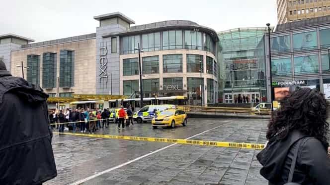 Atac la un mall din Manchester! Un bărbat a înjunghiat cel puțin cinci persoane