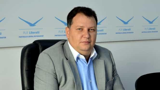 Fostul ministru al Energiei Toma Petcu și-a pozat buletinul de vot și a postat fotografia pe Facebook! Polițiștii l-au sancționat
