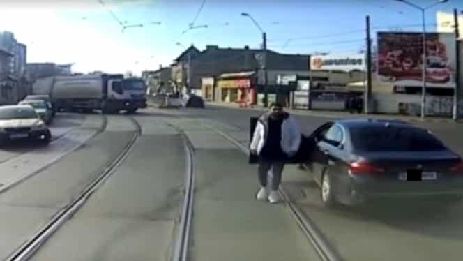"""BMW România reacţionează în cazul incidentului cu tramvaiul! """"Există o istorie de 100 de ani de conexiuni între marca germană şi mijloacele de transport în comun"""""""