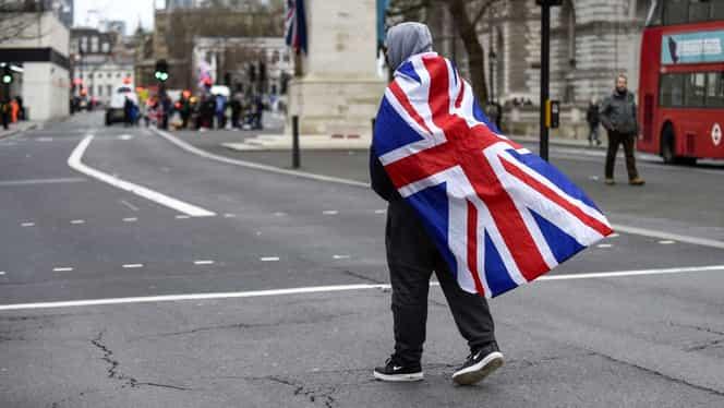 """Marea Britanie """"închide robinetul"""" pentru străinii slab calificați. Românii care vor să muncească acolo vor trebui să îndeplinească un nou set de cerințe"""