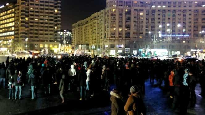Mii de oameni în marş spre Parlament! Au fost îmbrânceli cu jandarmii
