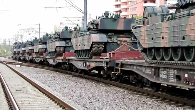VIDEO + FOTO ŞOC! Asta e DOVADA că ne pregătim de RĂZBOI! Zeci de TANCURI şi maşini de război în România