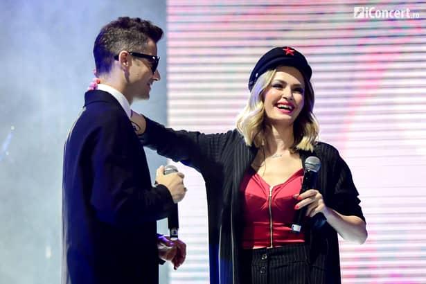 Dovada că între Marian Ionescu de la Direcţia 5 şi Alina Crişan e… pasiune! Avem imaginile! Ce îi face cântăreţei pe scenă!