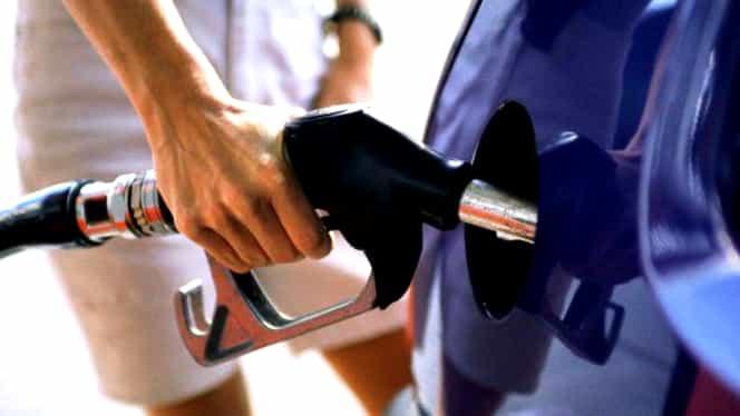 S-a ieftinit benzina! Cât au ajuns să coste carburanții, la pompă
