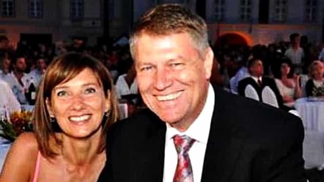 Klaus IOHANNIS şi soţia lui, CRITICAŢI pentru că au postat ACESTE FOTOGRAFII pe FACEBOOK! Vezi imaginile cu preşedintele ROM NIEI DESFIINŢATE pe internet