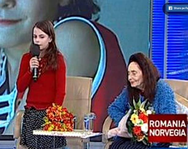 În momentul procedurii medicale, care a făcut-o pe Adriana Iliescu cea mai în vârstă femeie care a născut, era la menopauză. Așadar, Adriana Iliescu a fost fertilizată in vitro, la vârsta de 66 de ani.