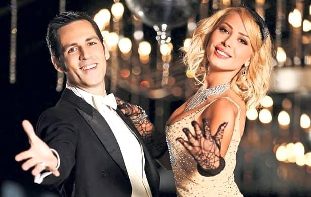 """Anul trecut, când la """"Uite cine dansează"""" apăreau rivalele de-o viață Andreea Marin și Mihaela Rădulescu, toate privirile erau ațintite, în seara difuzării emisiunii, asupra celor două dive. Firesc, în acest context, vedetele se întreceau în a etala ținute sexy, extravagante, prețioase, iar una dintre cele mai apreciate a fost rochia-perdea a Andreei Marin."""