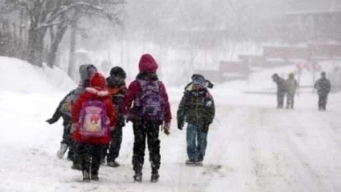 Gripa închide școlile vineri în toată țara! Anunțul Ministerului Educației către inspectoratele școlare