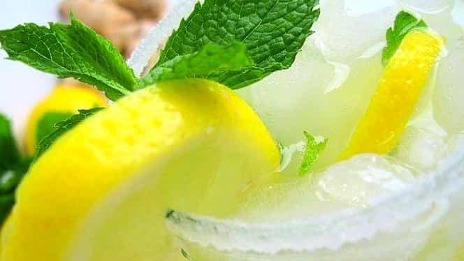 Cea mai bună rețetă de limonadă cu lămâie și apă minerală