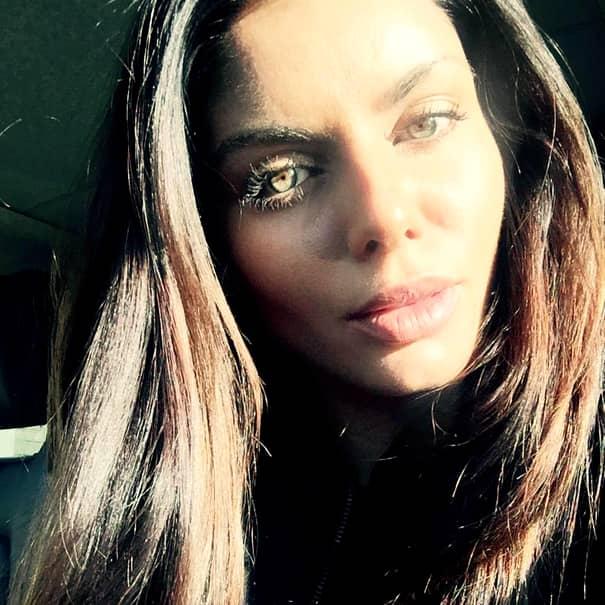 GALERIE FOTO | Ce s-a ales de Ileana Lazariuc la 8 ani după ce s-a măritat cu Ţiriac JR şi a dispărut! Nici fostele prietene n-o mai recunosc!