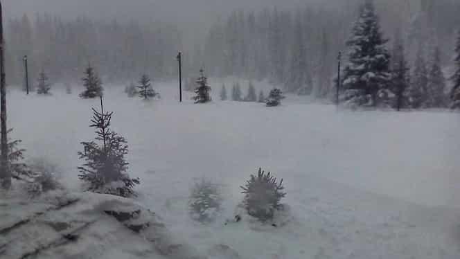 Risc mare de producere a avalanşelor în Munţii Făgăraş. La Bâlea Lac, zăpada depăşeşte 75 de centimetri
