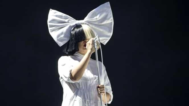 Sia, așa cum nu ai mai văzut-o niciodată. Artista a renunțat la perucile care au făcut-o celebră
